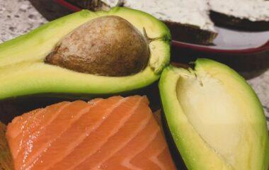Лосось та авокадо – ідеальне поєднання